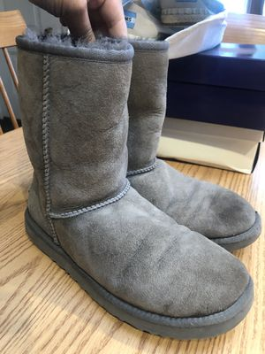 UGG boots sz 8 ... $20 for Sale in Peabody, MA