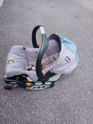 Chicco car seat with the base for only $80 for Sale in Kissimmee, FL