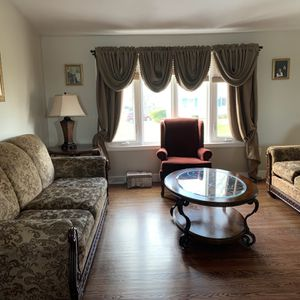 Lovely Living Room Set - 8 Piece for Sale in Brockton, MA