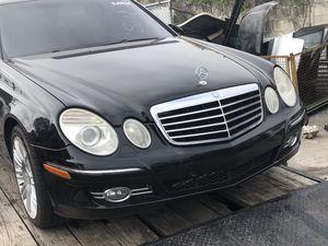 07 Mercedes E350 for parts for Sale in Orlando, FL