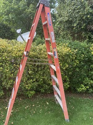 8 feet Ladder for Sale in Morrow, GA
