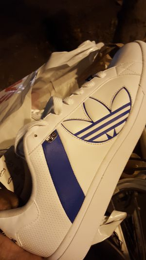 white and blue Adidas suss l size 12 for Sale in San Diego, CA