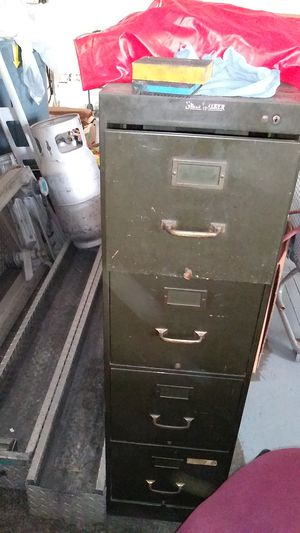 3 file cabinet for Sale in Parma, OH
