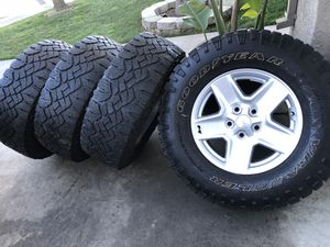 17s Jeep Wrangler rubicon sahara—-goodyear Wrangler duratrac—-hablo español for Sale in Modesto, CA