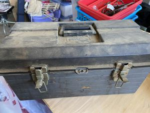 Very dirty but functional tool box with tray for Sale in Rialto, CA