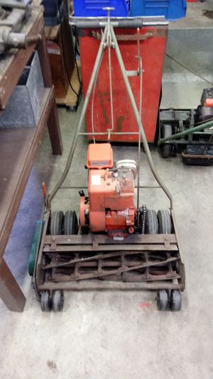 "Landscape type Commercial 25"" California trimmer for Sale in Enumclaw, WA"