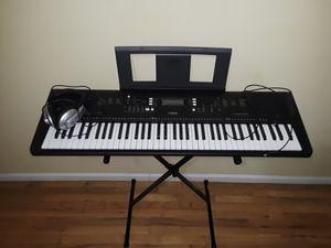 Piano- keyboard YAMAHA EW- 300 for Sale in Brooklyn, NY