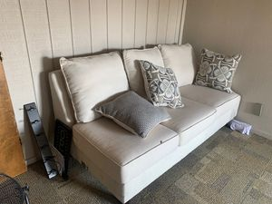White Couch with Pillows for Sale in Fresno, CA