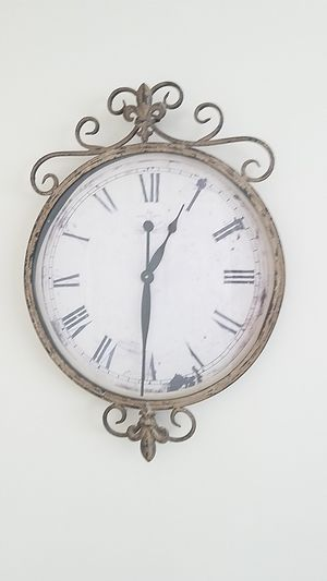 Old Antique Clock for Sale in Lansdowne, VA