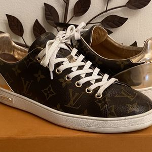 Louis Vuitton Frontrow Sneaker for Sale in Port St. Lucie, FL