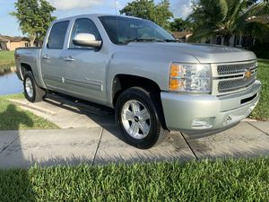 2012 chevy Silverado for Sale in Miramar, FL