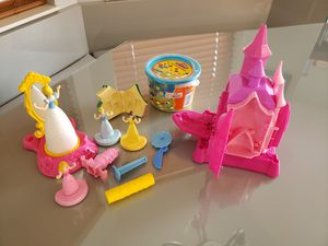 NEW Play-doh and princess accessories for Sale in Lake Worth, FL