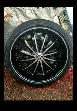22 BORGHINI RIMS . DIABLO TIRES. 35 Z R 22 102 XL for Sale in Fresno, CA