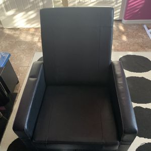 Kids Leather Chair/storage Ottoman for Sale in Mesa, AZ