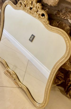 Gorgeous ornate mirror for Sale in Inkster, MI