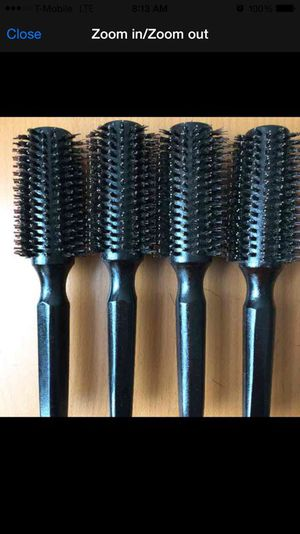 Heat resistance professional medium woody hair brush for Sale in New York, NY