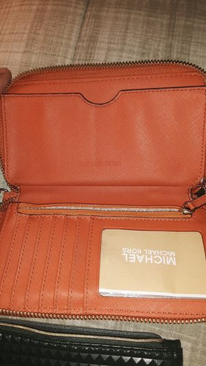 Michael Kors wallet and a 1psy makeup bag for Sale in City of Industry, CA
