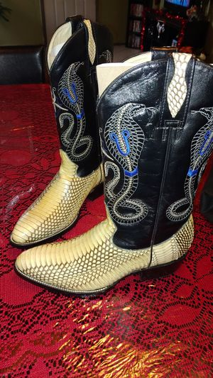 Real snake skin exotic boots for Sale in Fresno, CA