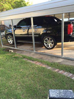 Cambio x chevy silverado 4x4 for Sale in Dallas, TX