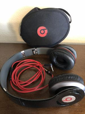 Headphones Beats like New for Sale in Simi Valley, CA