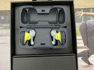 BOSE Soundsport Free (New) for Sale in Houston, TX