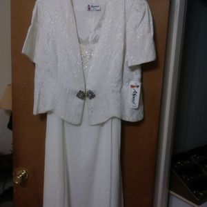 Off White Chiffon dress and Brocade Jacket Size 2x.. for Sale in Washington, DC