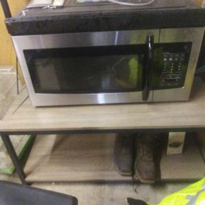 Samsung Over Range Microwave for Sale in Stockton, CA