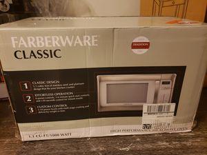 Farberware classic microwave for Sale in North Charleston, SC