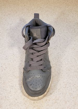 **FREE** Nike Air Jordan 1 Mid Cool Gray (Left Shoe Only) for Sale in North Las Vegas, NV