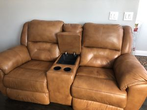 Love seat .recliner for Sale in Chicago, IL