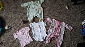 Free Baby clothes, 1 can of baby food beef for Sale in Binghamton, NY