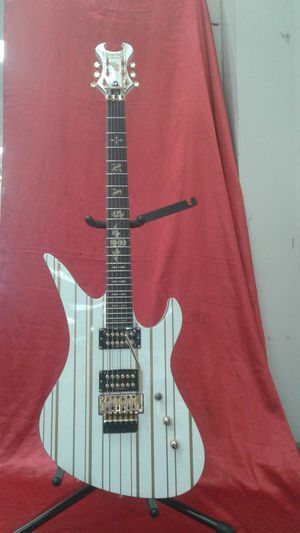 Great Looking Schecter Diamond Electric Guitar for Sale in Waterbury, CT