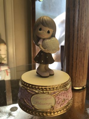 Precious Moments musical Hallmark figurine~ little girl for Sale in Portland, OR