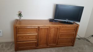 Bedroom set oak for Sale in San Diego, CA