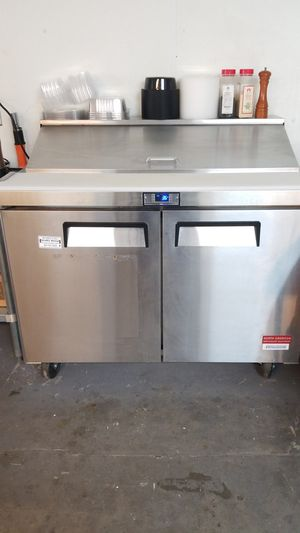 One yr old sandwich station for Sale in Attleboro, MA