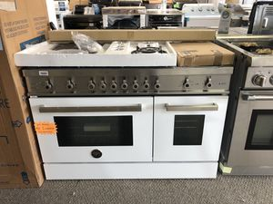 """Bertazzoni 48"""" Dual fuel range. New with warranty. Cheaper than retail. White and stainless. for Sale in Houston, TX"""