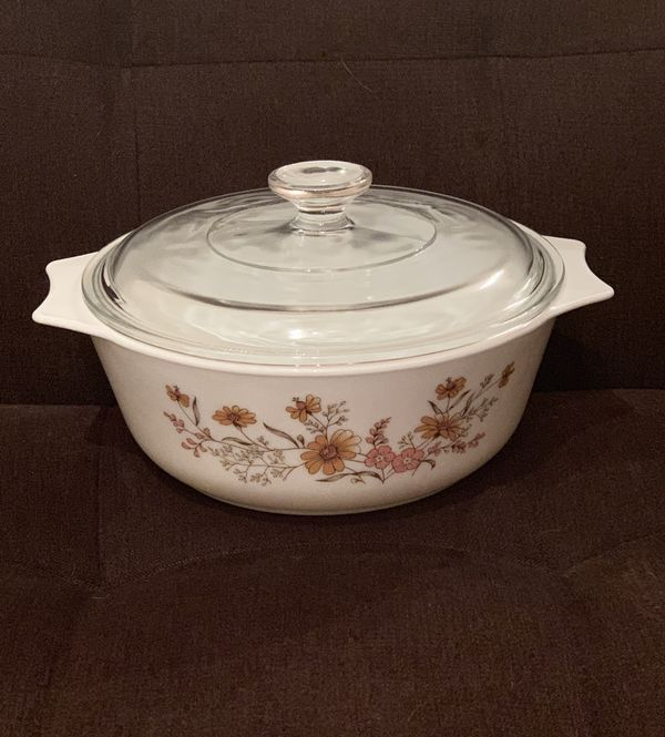 Pyrex England Bowl with Lid—Woodland Pattern