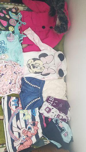 Set of kids clothes for Sale in Hemet, CA