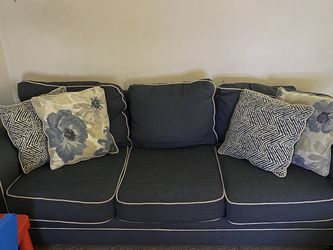 Blue Sofa With 4 Cushions for Sale in Miami,  FL