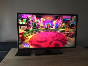 """TV Insígnia 40"""" con stand and remot for Sale in Fort Worth, TX"""