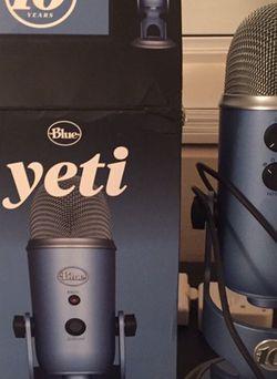Blue Yeti 10th Anniversary Edition for Sale in Goodyear,  AZ