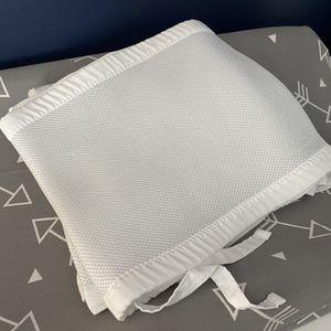 White Breathable Crib Bumper for Sale in Canonsburg, PA