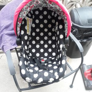 Baby Girls Car Seat for Sale in East Los Angeles, CA