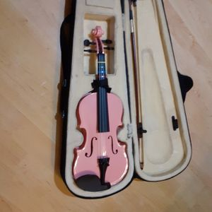 1/4 Violin Pink Color for Sale in Humble, TX