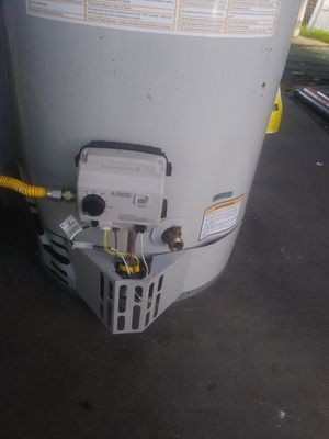 Water heaters ( troubles ) problems whit ur hot water for Sale in Pomona, CA