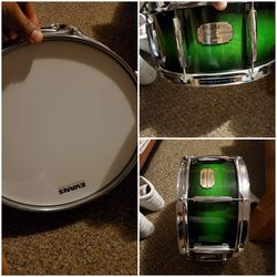 Pearl session custom All Maple 5-1/2 ×14 For another 225 I Have Matching Bass Drum Floor Tom And Rack Tom for Sale in Redford Charter Township,  MI