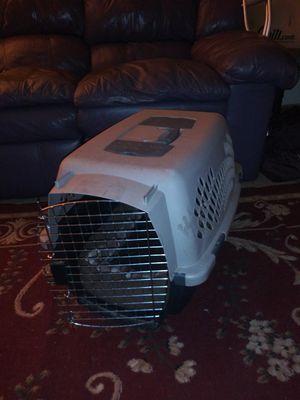 Medium size pet kennel for Sale in Phoenix, AZ