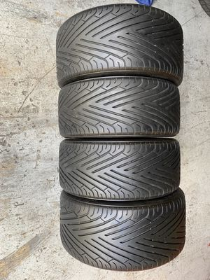 Set two 255/40/19 and 285/40/19 Yokohama AVS Sport with 80-90% tread left set of four no repairs for Sale in Hialeah, FL