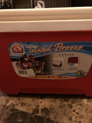 Igloo Island Breeze 9-Quart Cooler for Sale in Phoenix, AZ