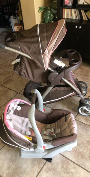 Graco Stroller and car seat for girl for Sale in Bakersfield, CA